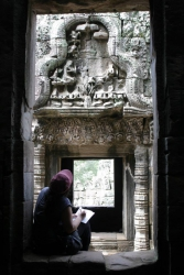 Sketching the Bayon Boddhisatvas